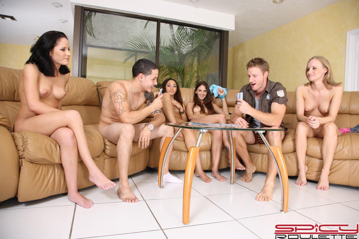 Hot babe playing strip poker dude has