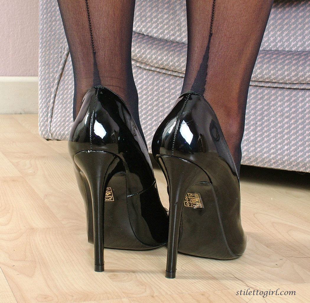 Sexy feet and skirt galleries