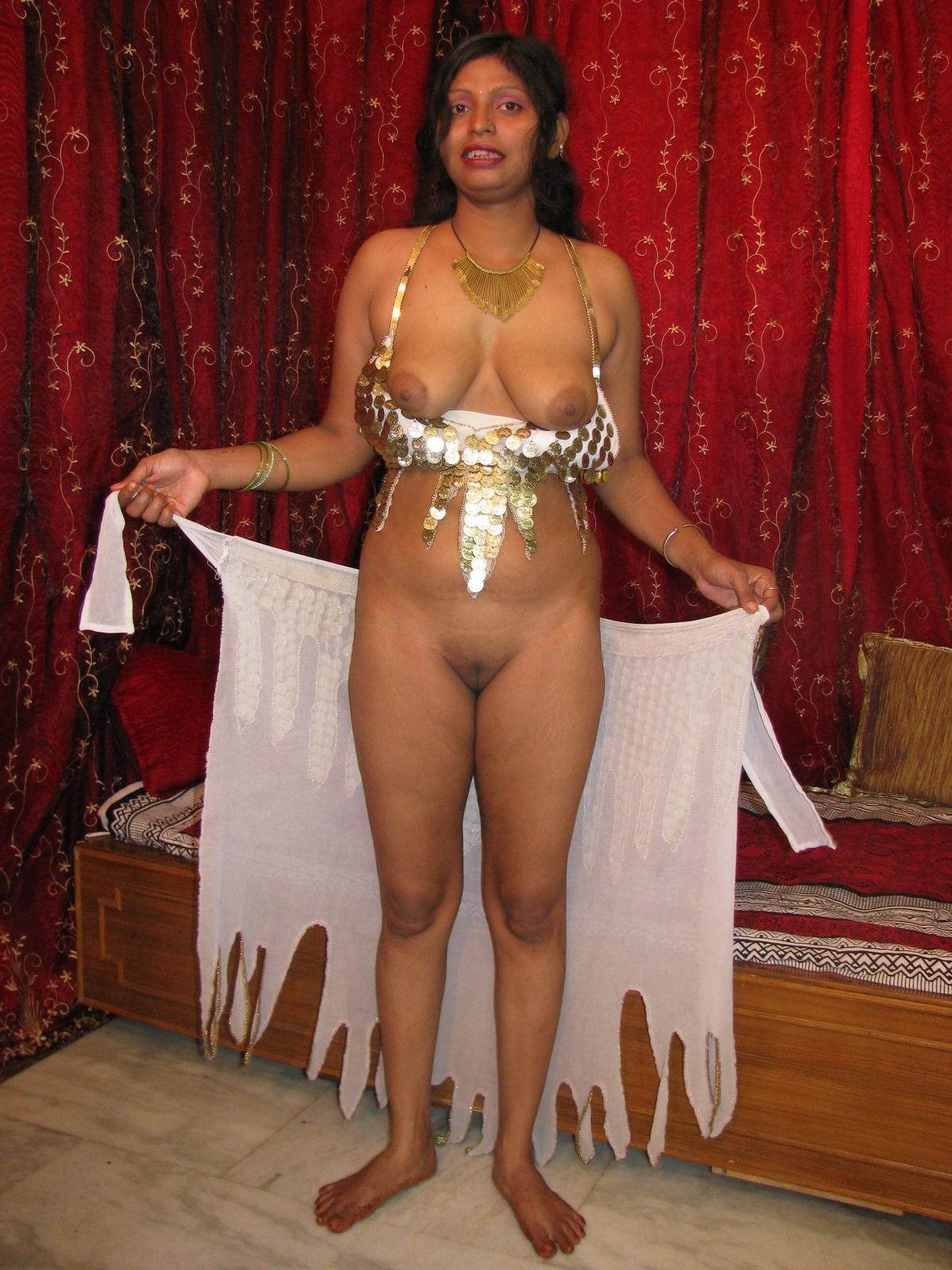 Elizabeth ashley bikini