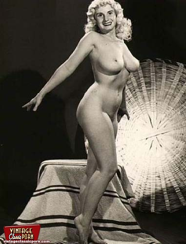 Celeb Classic Free Nude Pic Vintage Vintage Classic Porn Vintage Ladies With Massive Natural Breasts Posing Nude