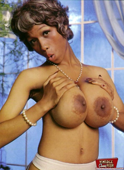 Sylvia nackt Poorta Twoo