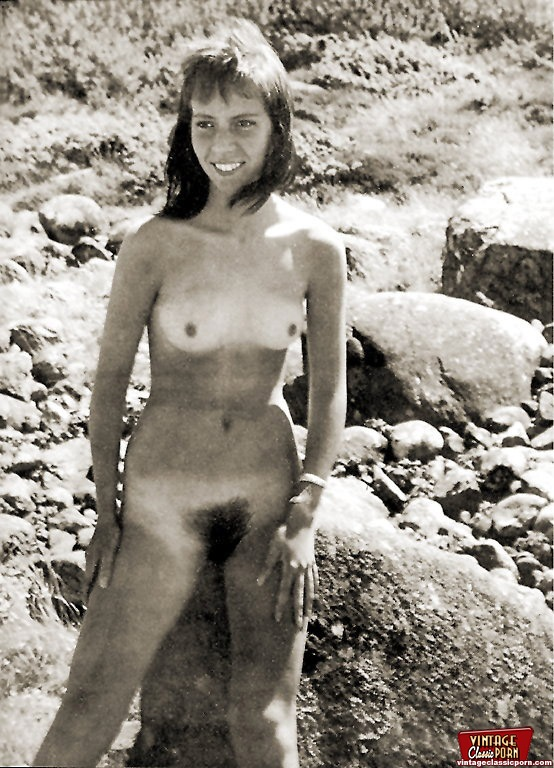 From the sixties hippie girls posing nude