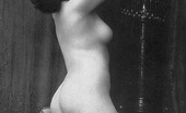 Vintage Classic Porn Several Twenties Babes Showing Their Nude Natural Bodies