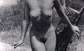Vintage Classic Porn Several Outdoor Vintage Ladies Going Fully Naked Outdoor