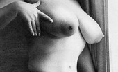 Vintage Classic Porn Suzanne Pritchard Showing Her Big Firm Natural Knockers