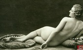 Vintage Classic Porn Several Thirties Wifes Showing Their Fine Natural Bodies
