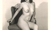 Vintage Classic Porn Real Home Made Vintage Naked Babes Love Posing Pictures