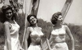Vintage Classic Porn Real Classic Vintage Sexy Babes Are Playing Naked Outside