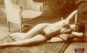 Vintage Classic Porn A Couple Of Real Vintage Reclining Ladies In The Twenties