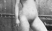 Vintage Classic Porn Naked Anonymous Girls Hiding Their Face In The Twenties