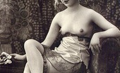 Vintage Classic Porn Sexy Horny Vintage Chicks Posing At Home In The Twenties