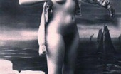Vintage Classic Porn Pretty Sexy Vintage Nudes Standing Naked In The Thirties