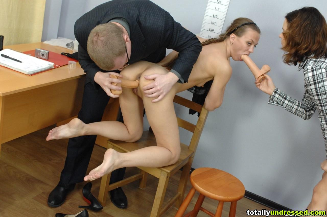 должен встать собеседование на должность секретарши порно они делают все