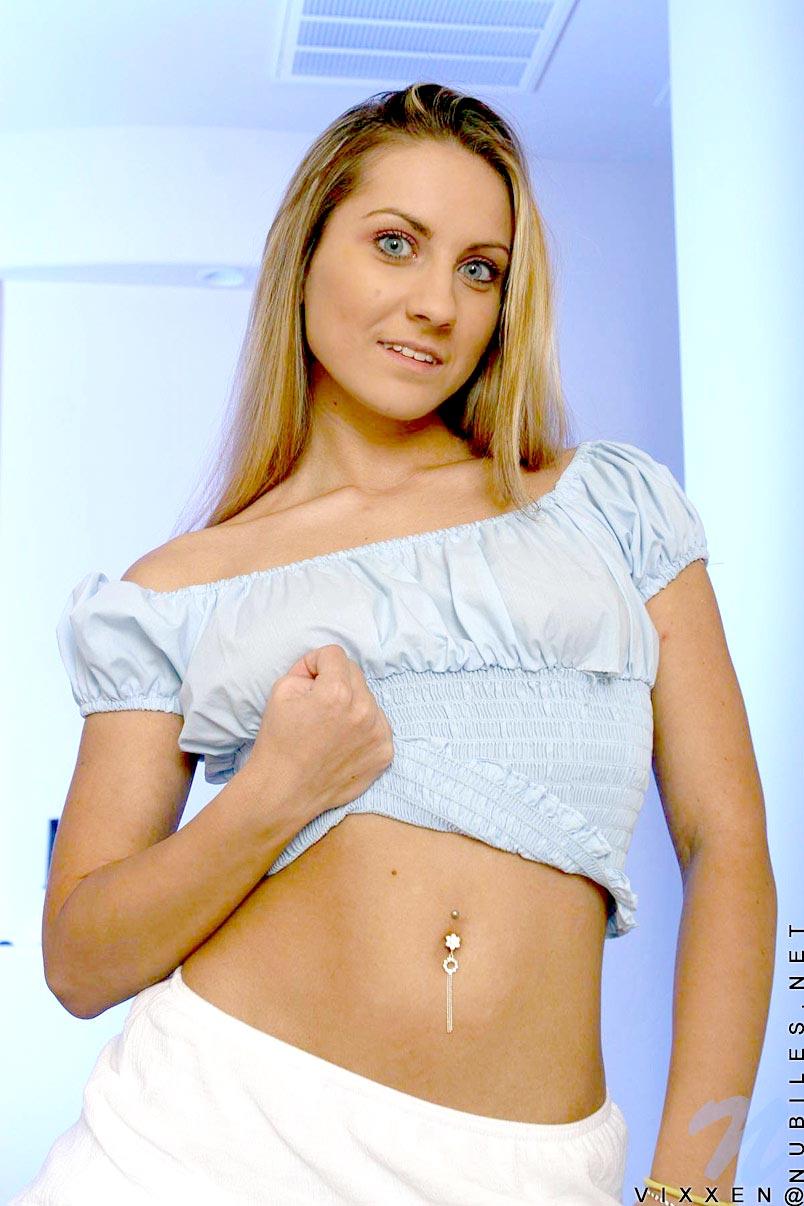 Scarlett Vixxen  nackt