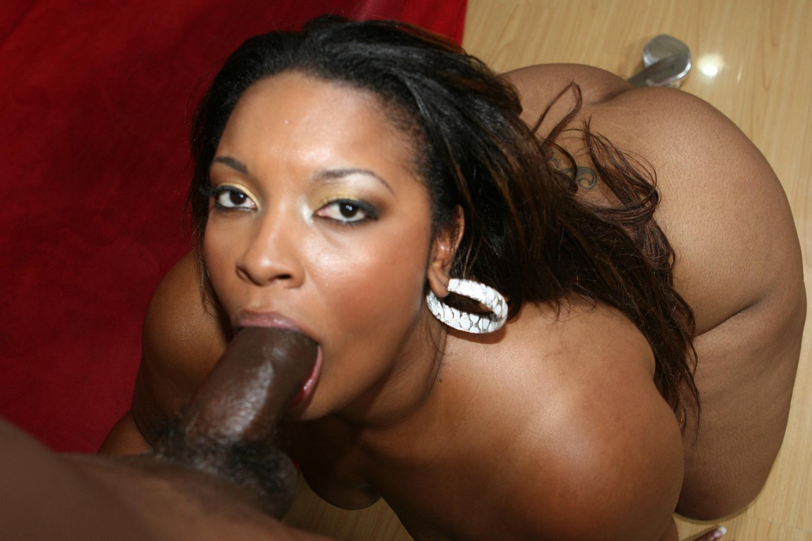 Thick Light Skinned Ebony Teen