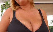 Only Big Melons Big Tits Plumper Ellen Showing Off Her Juggs And Shaved Cunt