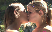 Club Filly Heather Starlet & Dani Daniels Dani Daniels And Heather Starlet Squirm On Tongues