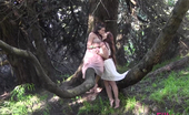 Club Filly Bella Rossi & Missy Minks Bella Rossi And Missy Minks Outdoor Sex