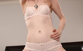 Club Filly Ela Darling Ela Darling Is Recently Single And Loves Being Naked