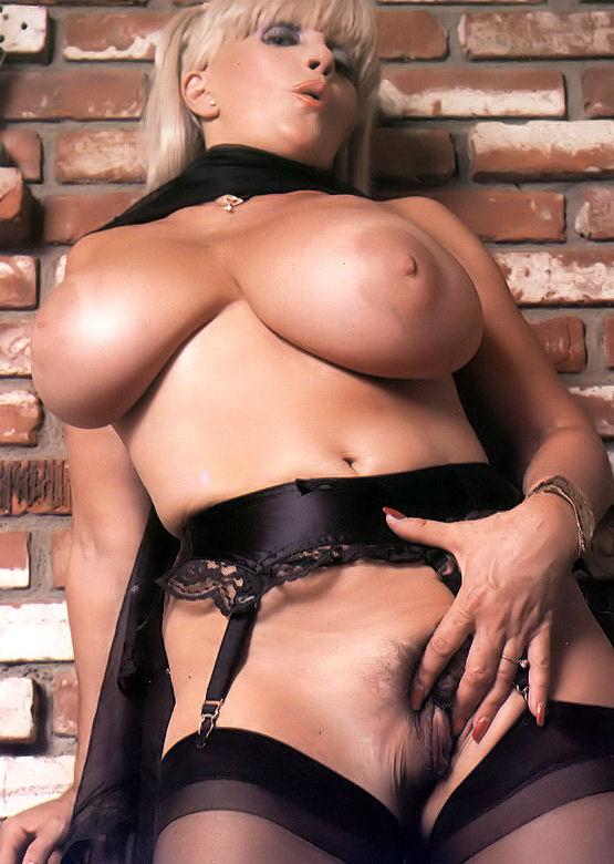Большие бедра порно кэнди хармс 8869 фотография