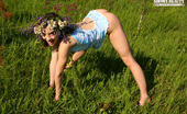 Showy Beauty Lisa Flowering Amazinggirl Alluring Cutie Wearing A Garland Of Flowers Shows Off Her Most Intimate Parts In The Field.