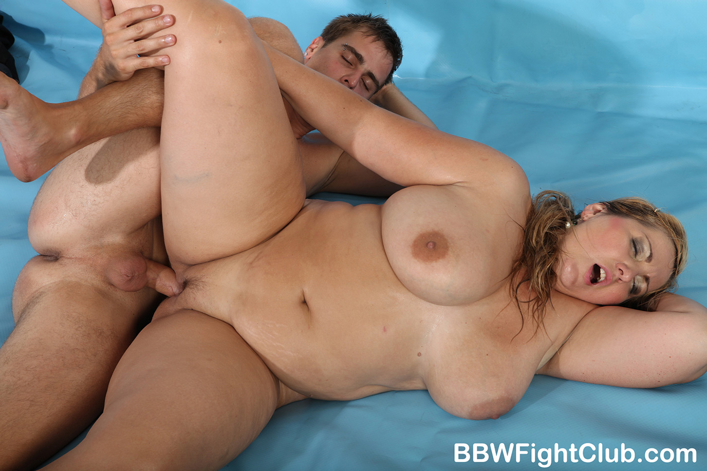 Chubby womens wrestling absurd situation