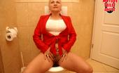 Mature Toilet Sluts This Mature Slut Gets Taken On A Public Toilet