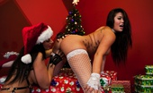 London Keyes London And Jayden Exchange Naughty Xmas Gifts Busty London Keyes And Jayden Jaymes Get Dirty On Christmas Eve With Their Toys.