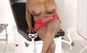 Plumper Pass Simone Staxxx8 The Gorgeous Simone Staxxx Is An Ebony BBW With Enormous Plump And Meaty Tits And Awesomely Juicy Thick Thighs.