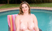 Plumper Pass Zeta Verrone Zeta Verrone Is A Newcummer BBW To Our Plumper World And She Will Rock Your World And Get You Off Just Right!