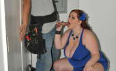 "Plumper Pass Reyna Mae Big Titty Client Reyna Mae Is A Major Sexy Plumper! And She A 2013 BBW FanFest Nominee For ""Best Boobs Of The Year"". Having To Be A Handyman And Walk Into This Horny Client Is Just Heaven. She'S Makes Sure Her Worker Will Always Come Back To Fix Any Problem She May Have."