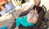 Plumper Pass Mandy Majestic Big Titty Distraction Juan Largo Was Looking For Some Peace And Quiet Away From The City So He Write His Next Novel. But When Super Sexy BBW Mandy Majestic Walks In The Door, All Of His Solitude Goes Out The Window. Juan Agrees To Let Her Stay At First, But When She Starts Str
