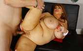 Plumper Pass Samantha 38G Samantha Saves A Bro Sexy Samantha38g! We Can'T Get Enough Of This Hot Sexy BBW. As Samantha Is Walking Around Her Neighborhood, She Runs Into A Guy That Just Had A Fight With His Girlfriend. Samantha Invites Him Over For Some Help. The Broken Heart Man Find Comfort In Samant