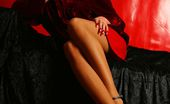 Lily Wow Upskirt Of The Long Beautiful MILF Legs In Ff-Stockings