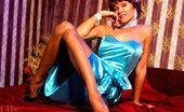 Lily Wow 298896 Leggy Beauty Lily In Thin Vintage Stockings And High Heels