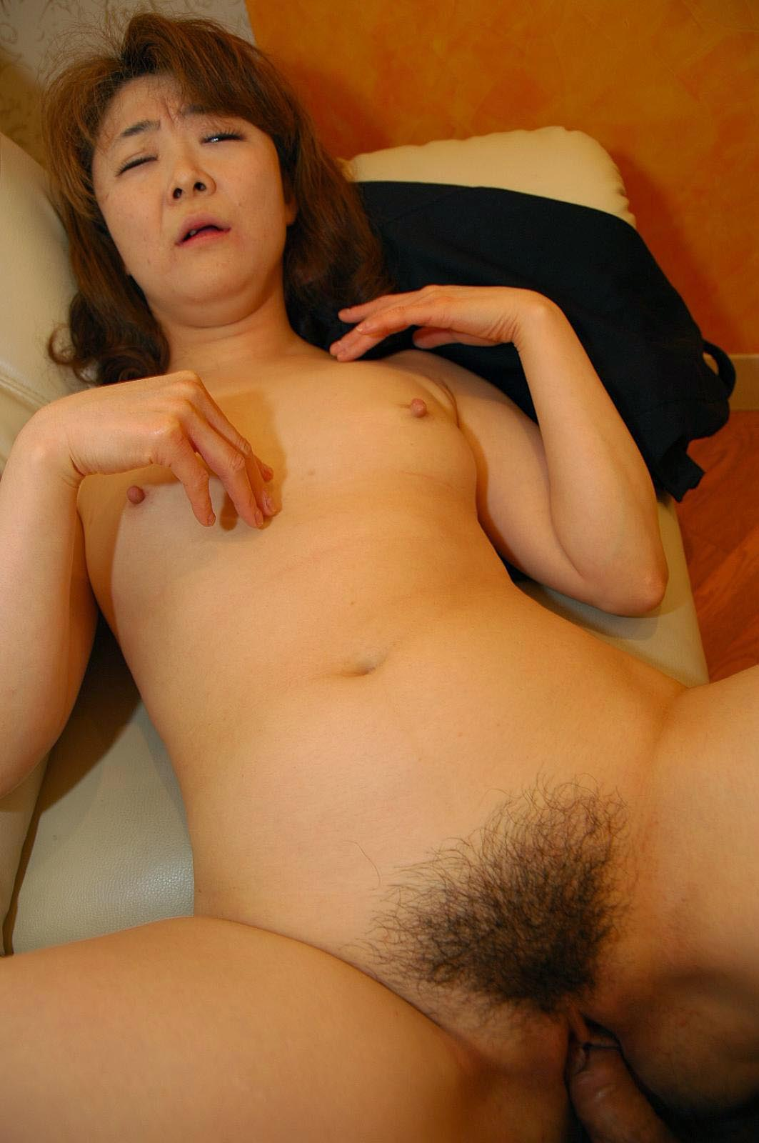 japanese young adult naked gfs
