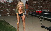 Porn Fidelity Kelly Madison And Ryan Fuck Lucky Benton While She'S Doing The Splits.