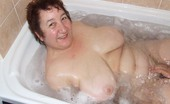 TAC Amateurs Bath Fun This Is Great Washing My Guy In The Bath And More Fun To Cum Afterwards Xxxx