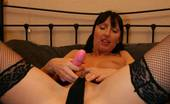 TAC Amateurs Tracey Cool Chick 315368 This Hot Young Babe Is Always So Cool That She Can Take A Good Arse Knobbing In Her StrideI Love Cock Deep In My Arse R