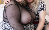 TAC Amateurs Jenny & Double Dee In The Bedroom Lucky Me, I Get The Warm Moist Juicy Cunt Of Double Dee All To Myself - Jenny X