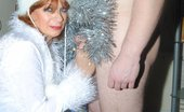 TAC Amateurs Mother Xmas 315976 Mother Xmas Gives One Young Fan A Xmas To Remember.