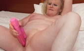 TAC Amateurs Pink Vibrator Still In Nottingham And Jonathan Was Taking A Rest While I Got To Work With My Pink Vibrator Then Speedybee Took Over An