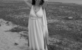 TAC Amateurs Stranded Goddess This Goddess Is Stranded On An Island With No One To Play With.. Wont U Join Me