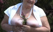 TAC Amateurs Sunny Day In Somerset I Love A Walk In The Country On A Hot Sunny Day So Cum Join Me As I Let The Sun Caress My 42DD Boobs And Give My Pussy S