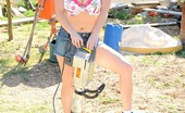 DDF Busty Maggie Green Busty Babe Maggie Green Gets Naked At Construction Site