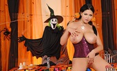 DDF Busty Shione Cooper Busty Babe Shione Cooper'S Halloween Toying With A Dildo