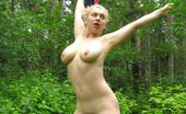 World Wide Wives Busty Eria In The Woods 330147 Out In The Woods Wanting To Get Totally Naked And Wanting To Get De-Flowered.
