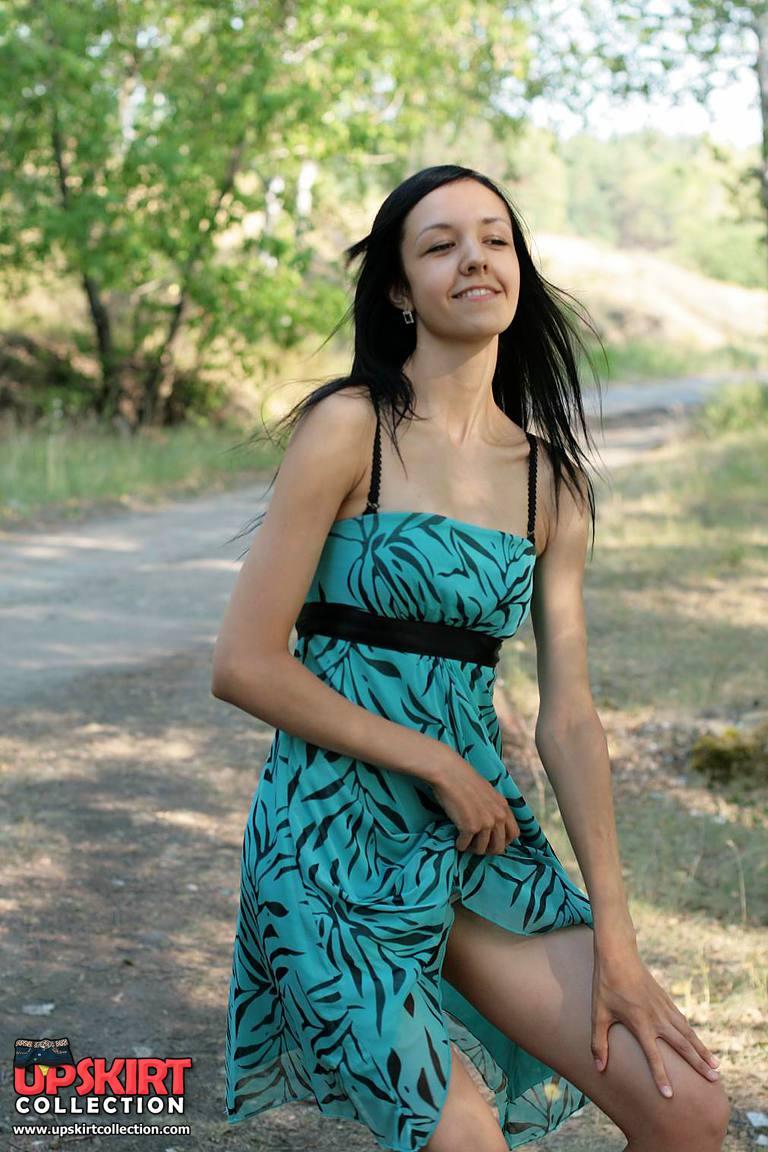 Blowy Wind Blown Up Skirt. Hot Upskirt Gallery - Xo Xo Upskirt