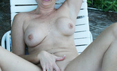 Real Tampa Swingers Lake Side Nudity With Hot Wife Tracy Tracy Bares All Outdoors In This Naughty Lake Side Photo Shoot