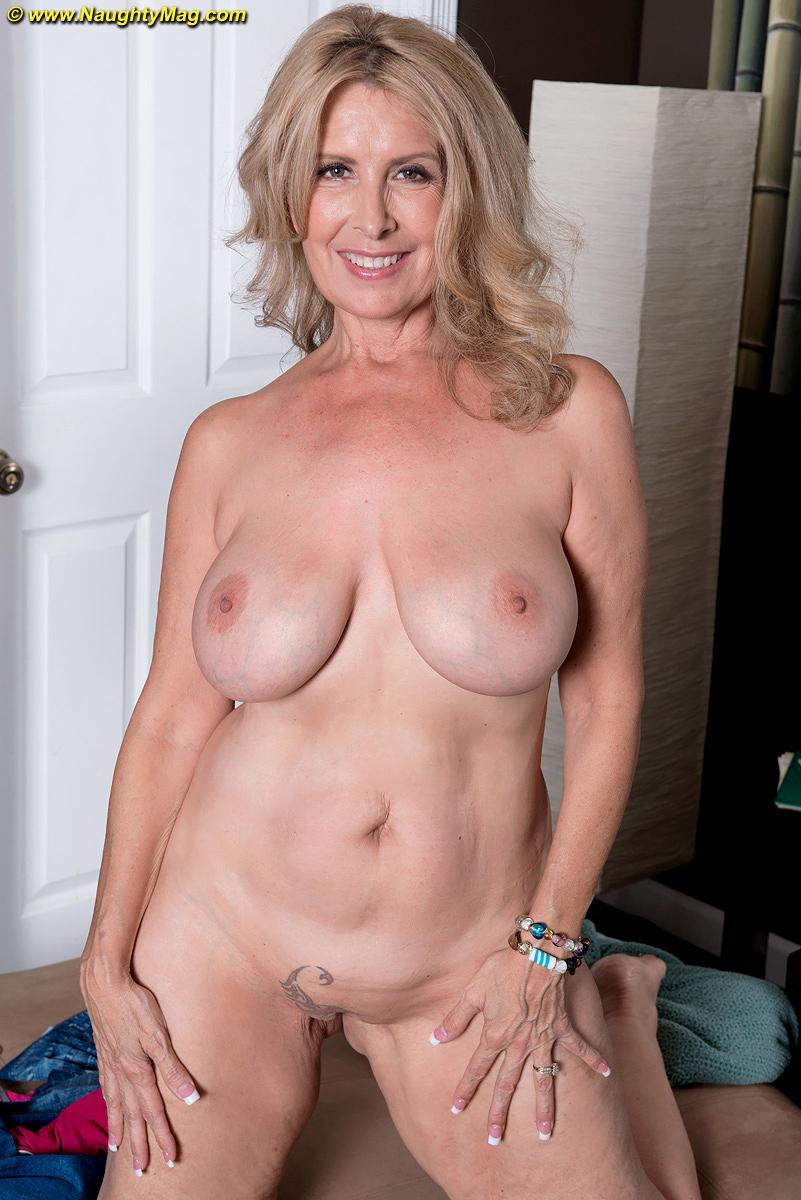 Nackt  Laura Vazquez Free nude